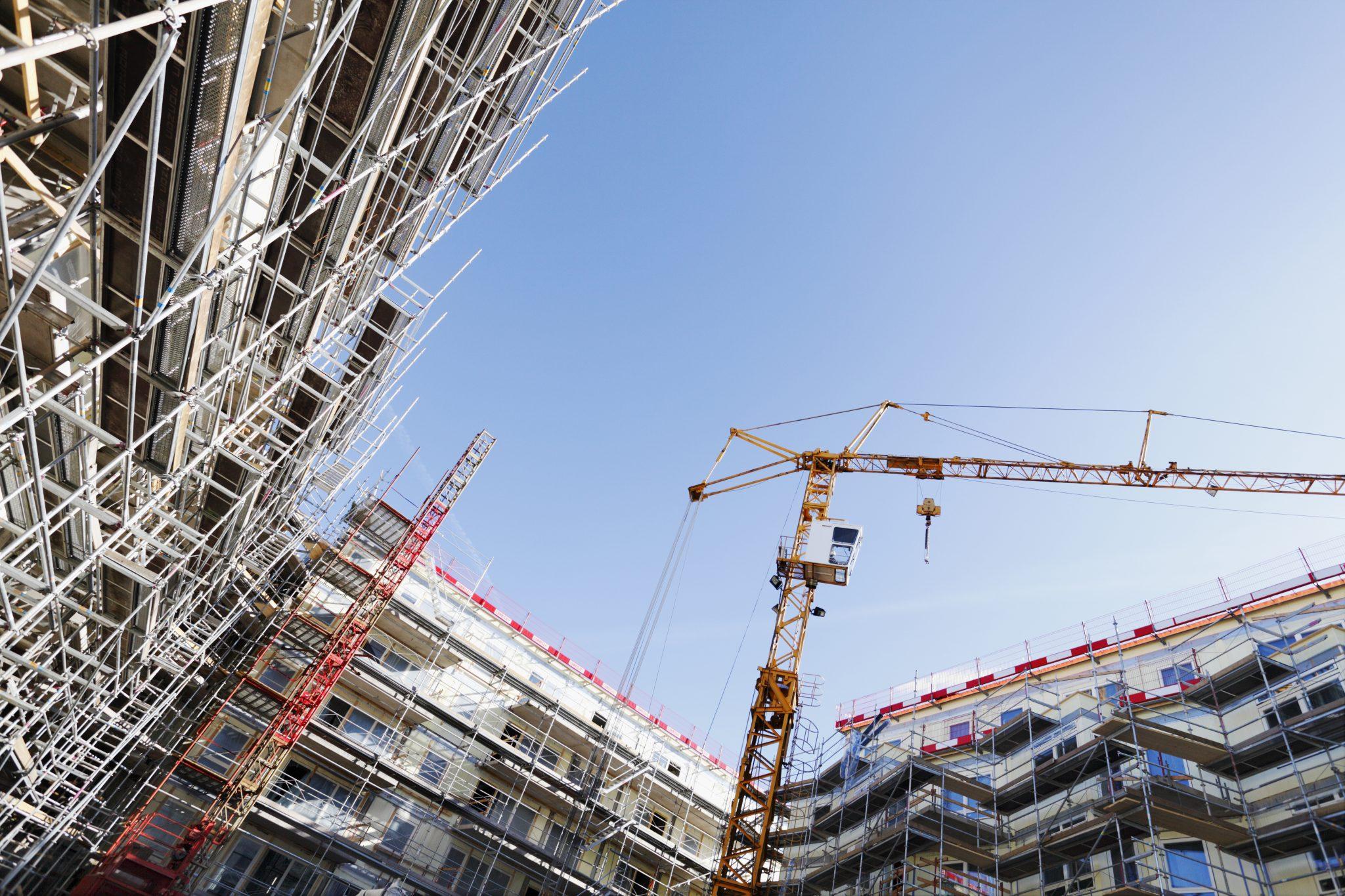 How Motorola Construction Radios Provide Communication on Work Sites